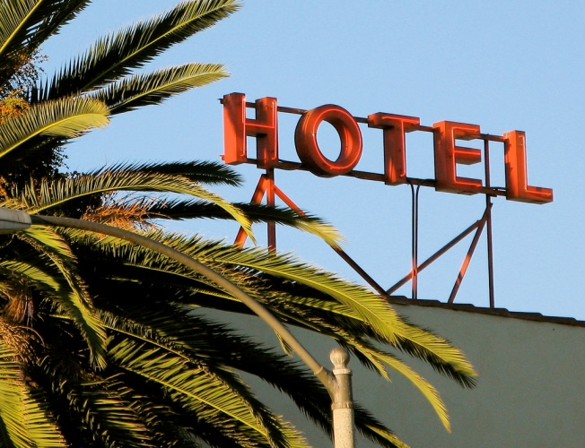 Hotel California, Flickr, CC, by Kevin Dooley