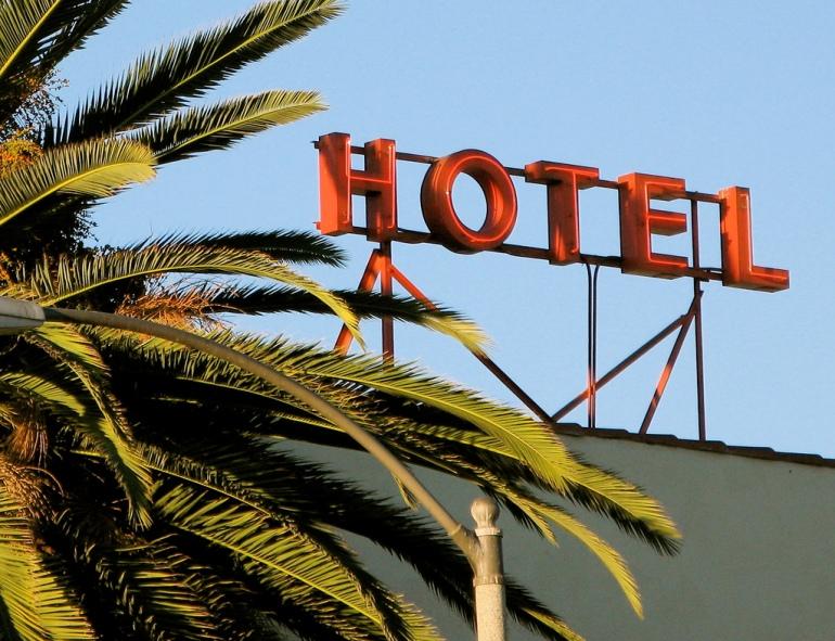 Hotel California, Flickr, CC, by Kevin Dooley