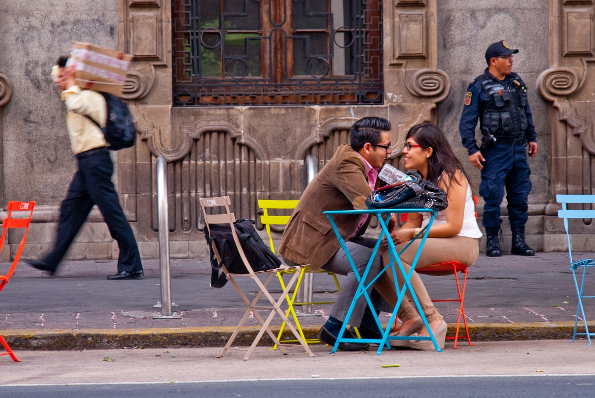 Mexico City Couple, Flickr, CC, by City Clock Magazine