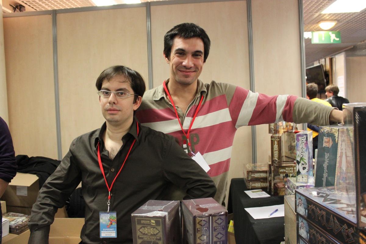 Arnaud, à droite, et Hicham à gauche, patron de Matagot
