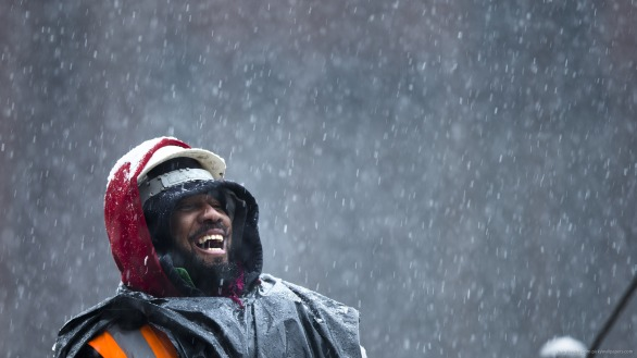 snow-falling-on-the-laughing-guy