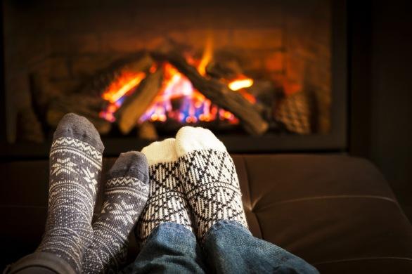 cozy-winter-fireplace-knitted-socks-desktop-wallpaper
